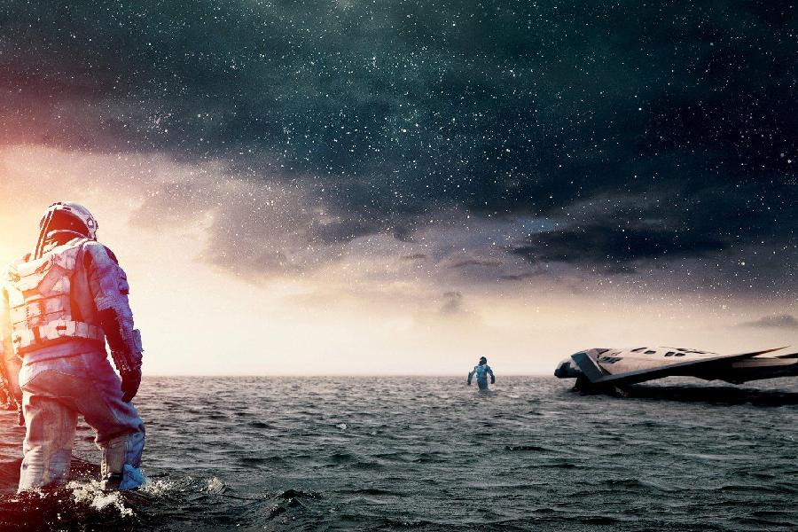 Why is the Water on the Water Planet Very Shallow in Interstellar?
